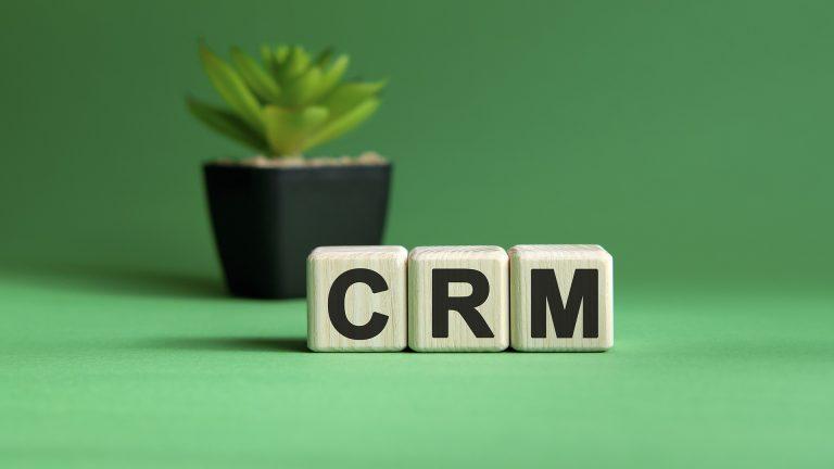 Какво представлява CRM софтуерът?